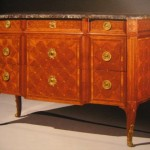 Eb�nisterie:Commode Louis XVI estampill�e: RIESNER